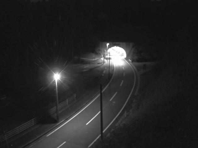 中原夢トンネル(坂の下)[南小国町 道路ライブカメラ]